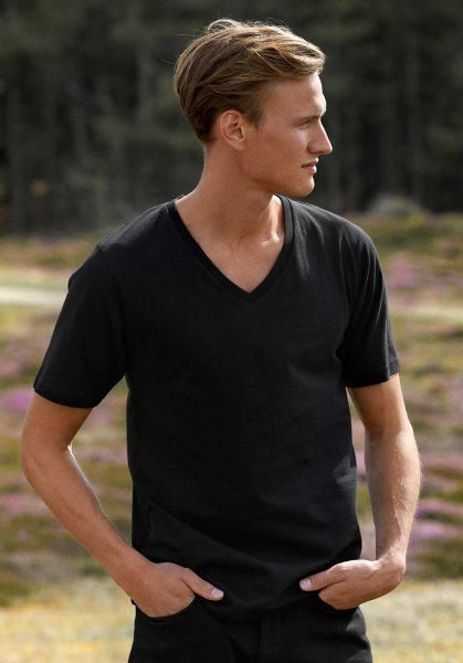 Organic Deep V-Neck T-Shirt Fairtrade schwarz - Bild 1