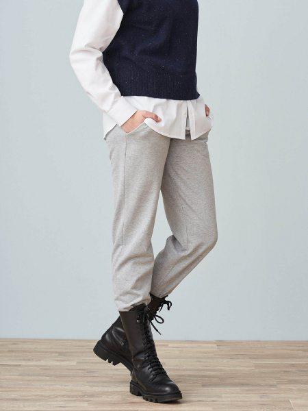 Jogging-Hose aus Bio-Baumwolle - grey melange - Model