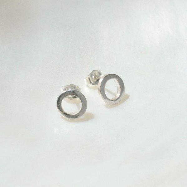 Handformed Circle Studs - Ohrstecker aus recyceltem Silber