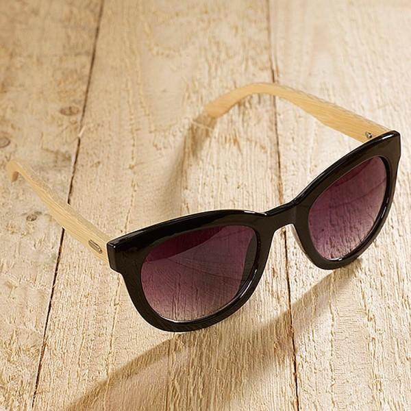 Sonnenbrille mit Bambusbügeln und schwarzem Gestell - Gläser mit UV400 Schutz