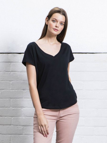 Organic Loose Fit V-Neck T-Shirt - black