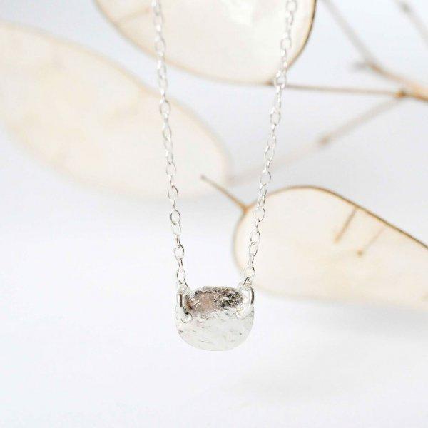Textured Disc Necklace - Kette aus recyceltem Silber