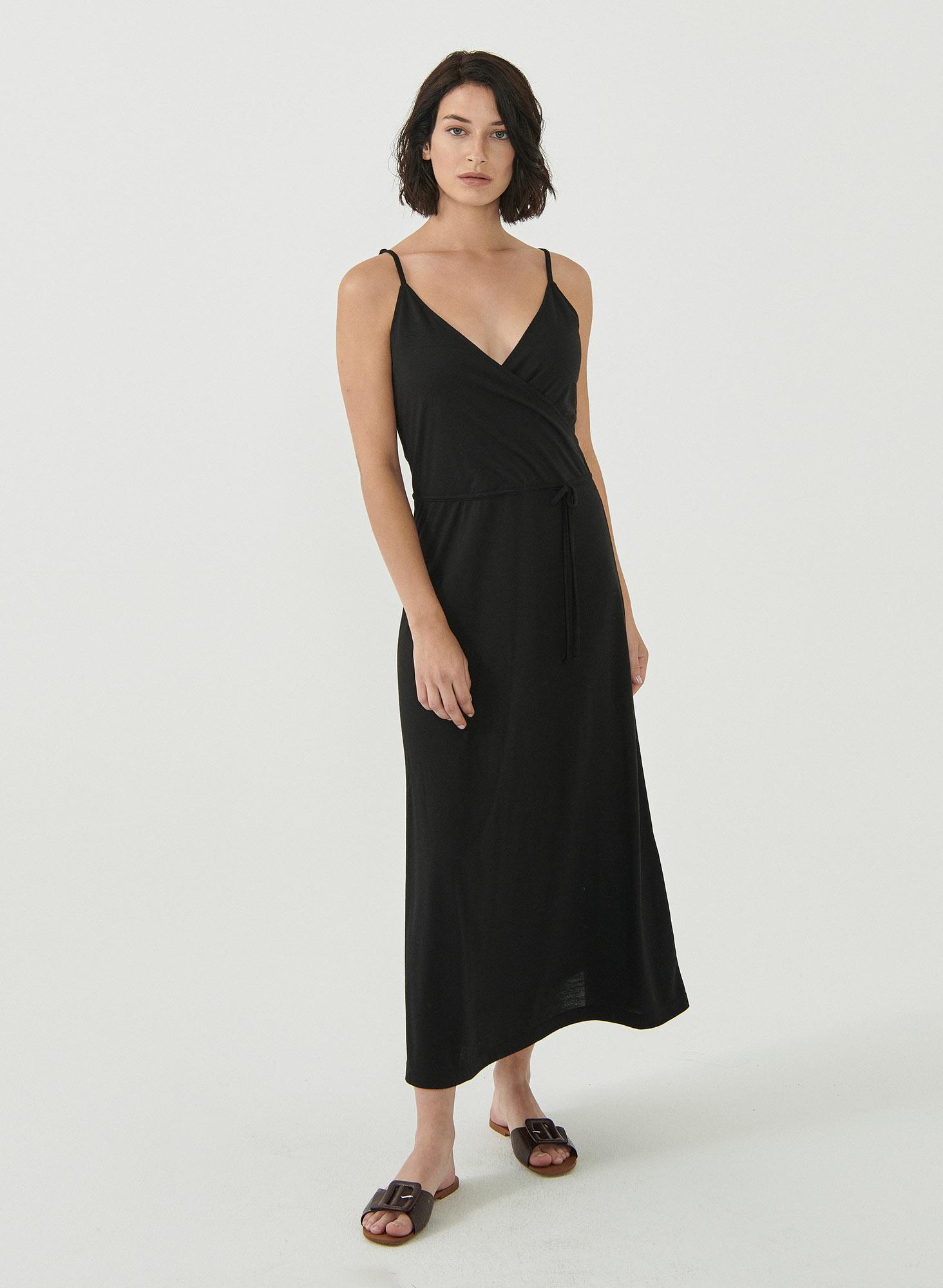 wor11766-Black-Spaghettitraeger-Kleid-recycelte-PET-Flaschen-Ecovero-nachhaltig-umweltbewusst-sommerlich-leichter-Stoff